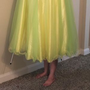 Yellow green formal prom dress gown